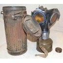 German WW2 gasmask with box can