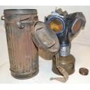 German WW2 gasmask with box can